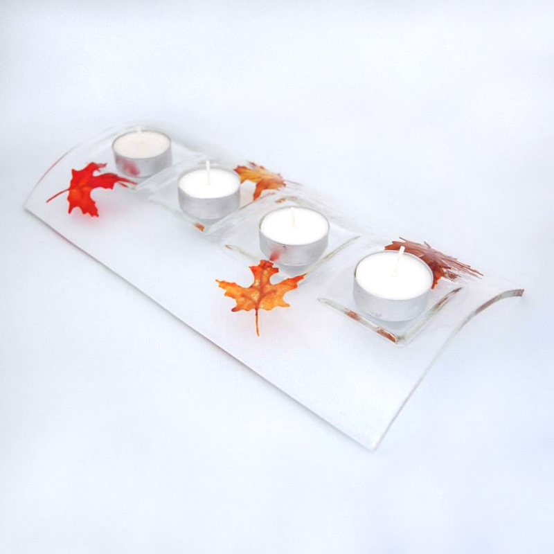 Candle bridge for 4 tea lights with autumn leaves